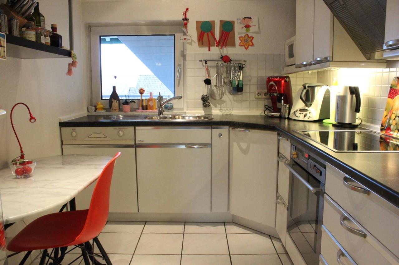 die Küche: Klein, aber praktisch und alles da
