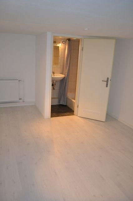 k-UG Zimmer mit Dusche