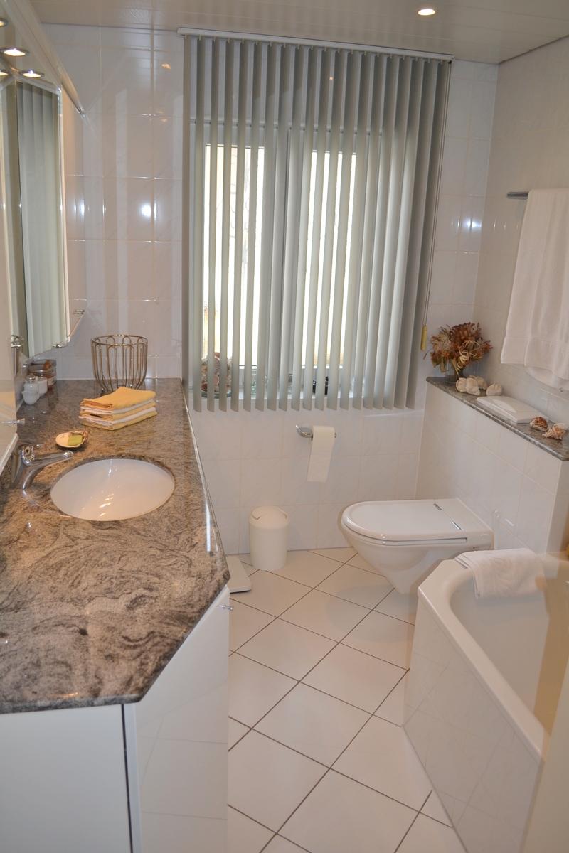 Badezimmer EG (1)