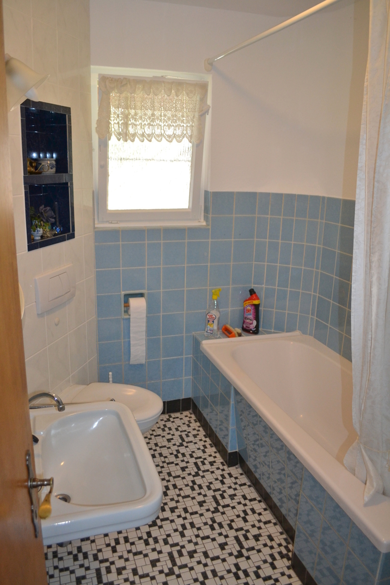 Badezimmer EG (2)