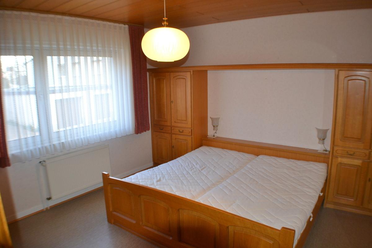 Zimmer vorne EG (2)