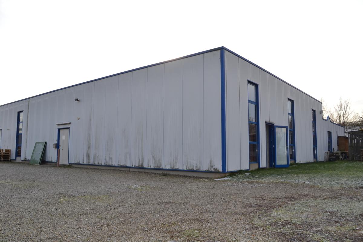 Firmengebäude (2)