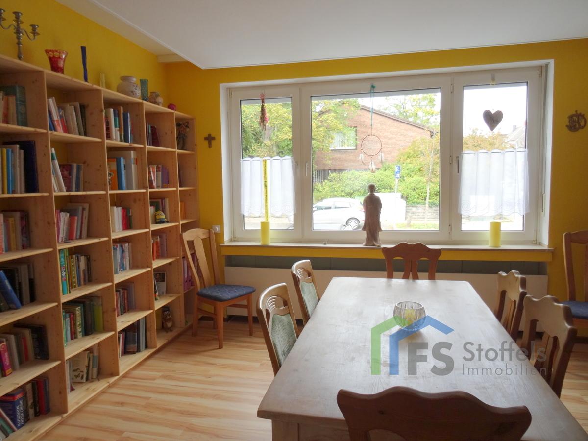 Wohnzimmer-Bibliothek