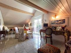 Dachzimmer vom Schlaf- zum Wohnbereich