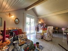 Dachzimmer gegen Schlafbereich