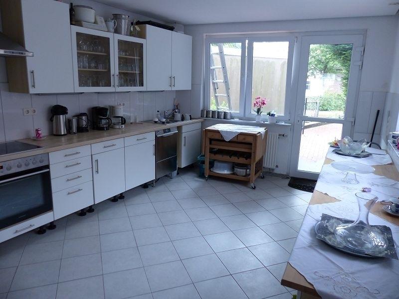 Küche mit Ausgang