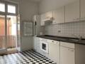Küche mit Waschmaschinenstellplatz
