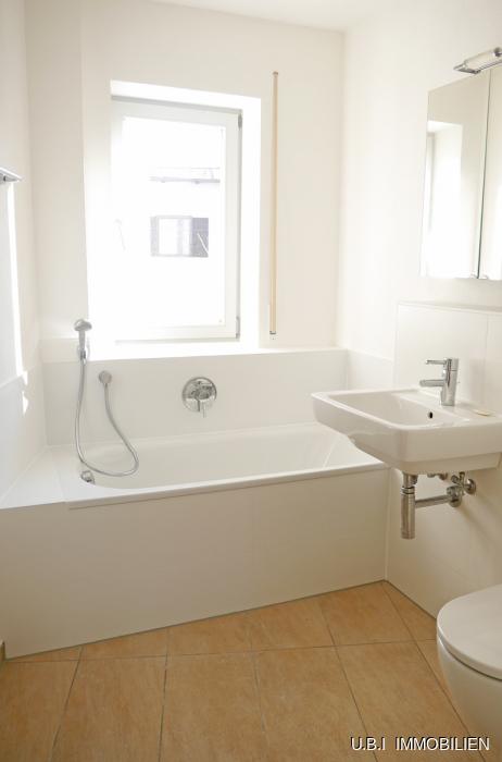 Bad mit Wanne+Dusche