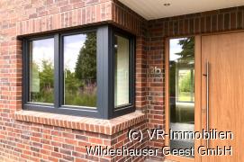 Küchenfenster und Haustür