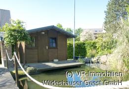 Teich und Gartenhütte