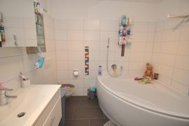 Badezimmer Ansicht 1