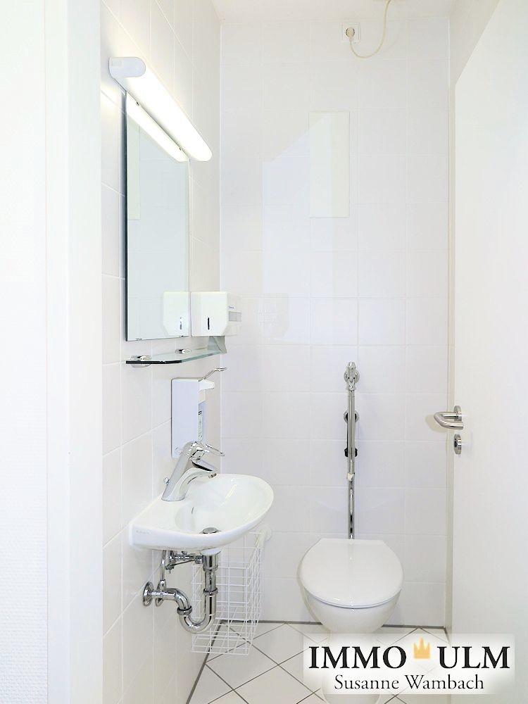 7 Flur WC