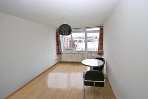 2736 Wohn-Schlafzimmer