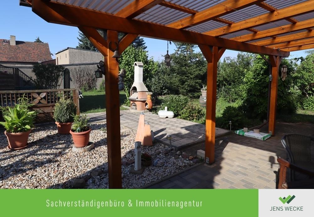 2028 Garten mit Grillplatz