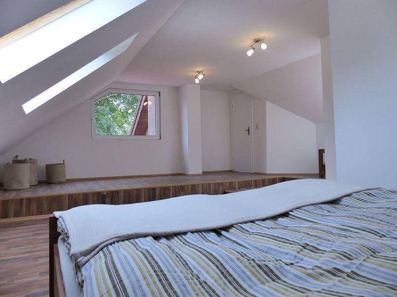 Schlafzimmer mit Empore