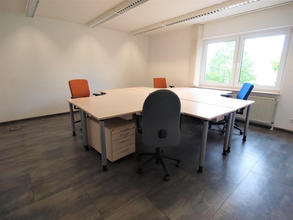 Möbliertes Büro OG
