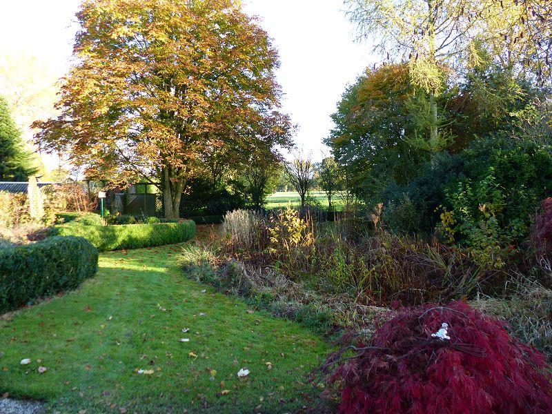 Garten mit Blick auf Wiesen