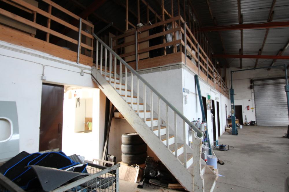 Werkhalle mit Lager