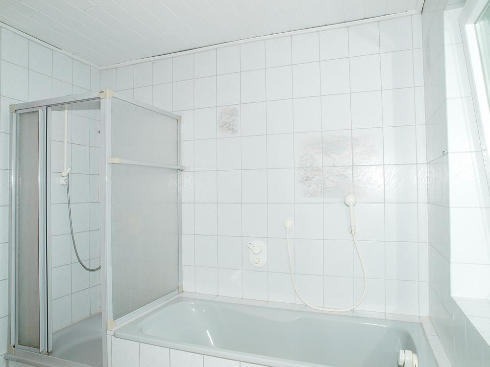 rechter Eingang-Tageslicht Bad - Du und Wa