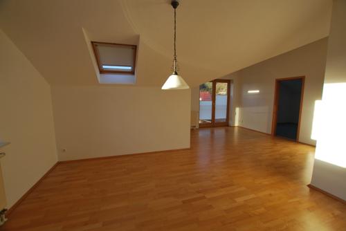 Elegantes Wohnzimmer mit Parkett