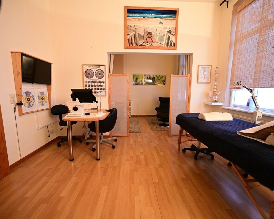 Behandlungszimmer3
