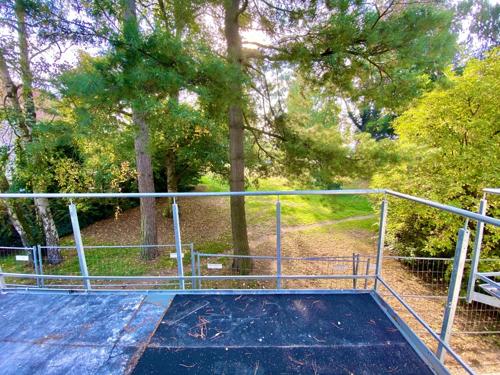 Balkon mit Blick in den Park