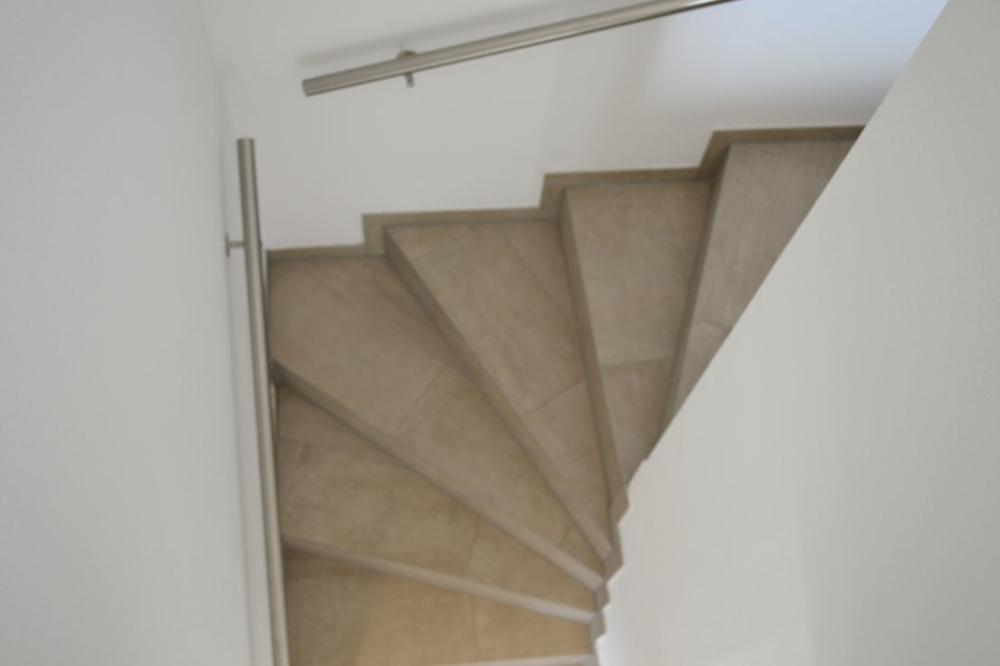 Beispiel Treppenaufgang mit Beleuchtung