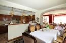 öffener Küchen- und Essbereich (Haupthaus)