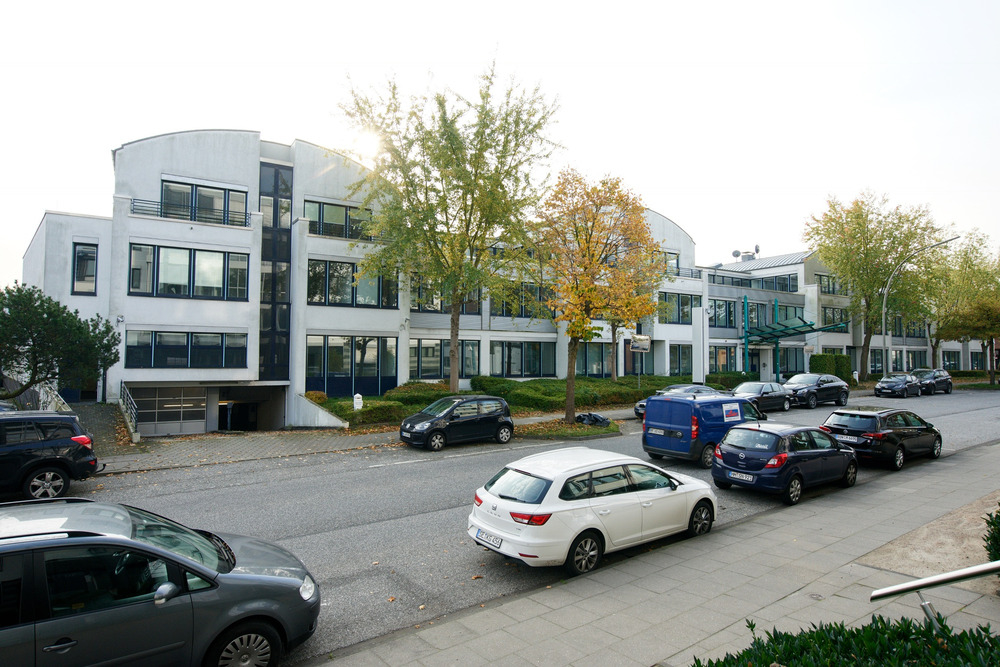 Gebäudekomplex (Straßenseite)