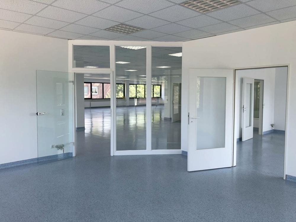 Eingang zum Labor (OG)