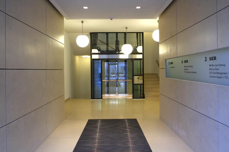 Eingangsbereich Gebäude