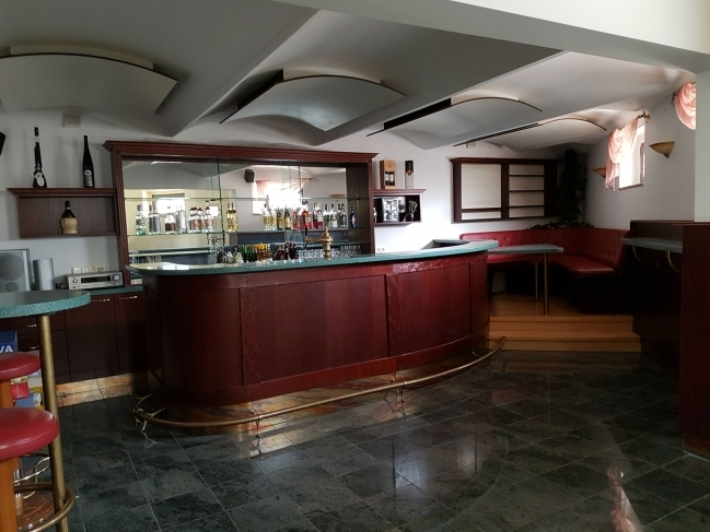Bar-Haus 1