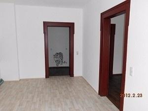 Kücheneingang-Tür_zum_Wohnzimmer-JPG