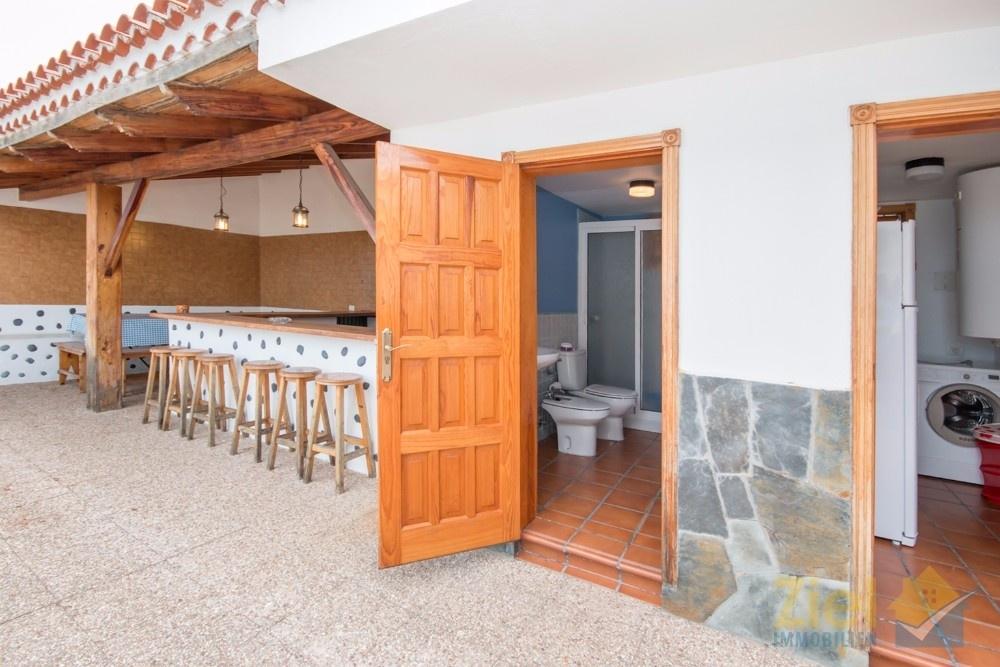 Gästebad direkt bei der Aussenküche