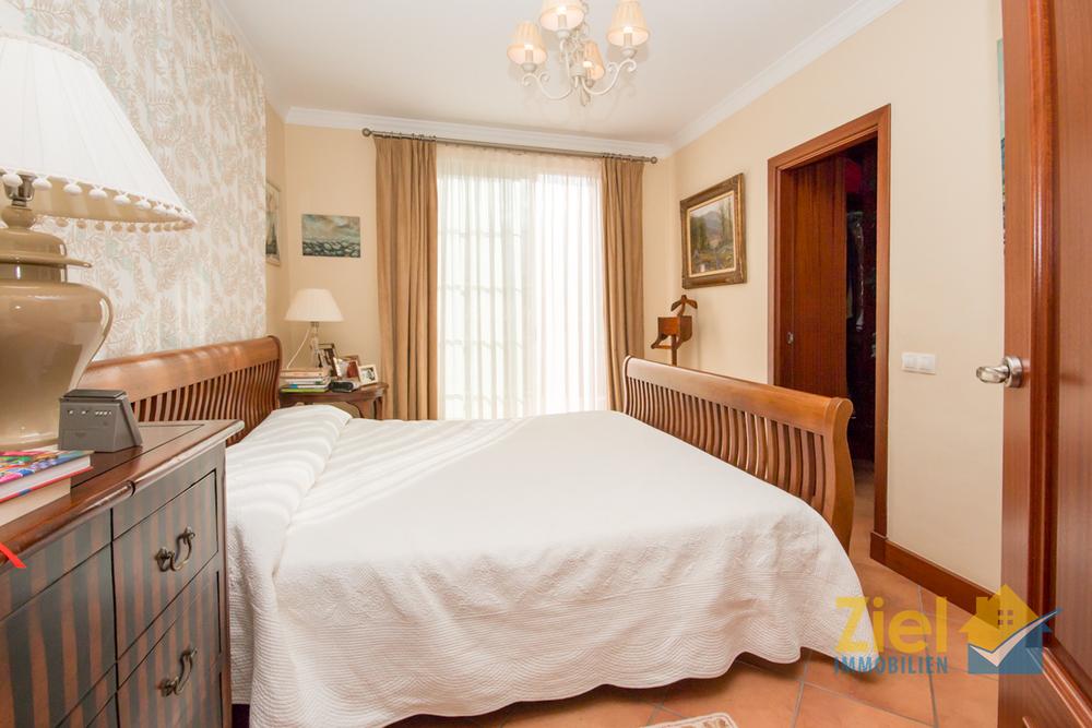 Helles Masterschlafzimmer