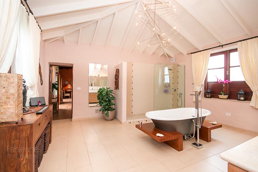 Badezimmer-Durchgang zum Salon