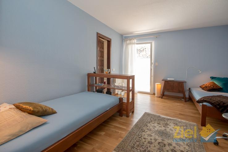 2. Schlafzimmer mit Terrassenzugang