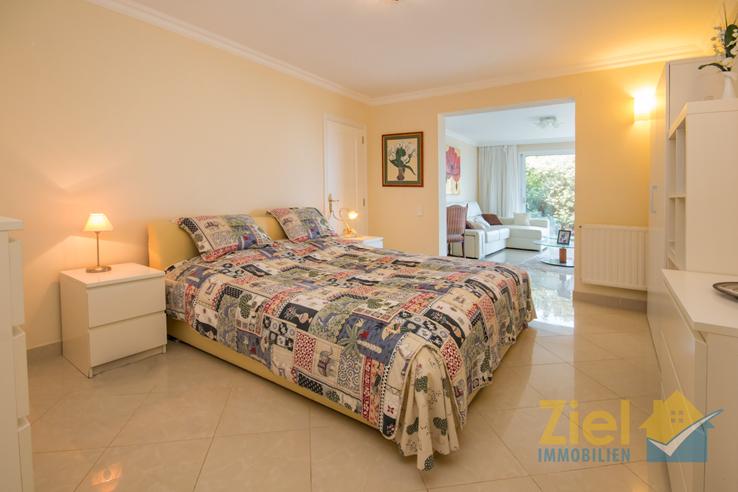 Gästezimmer mit kleinem Wohnzimmer