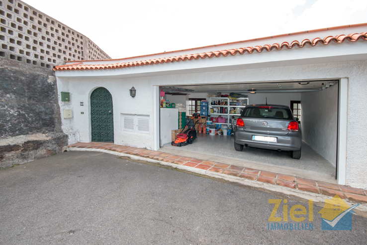 Separate Garage mit 35m²