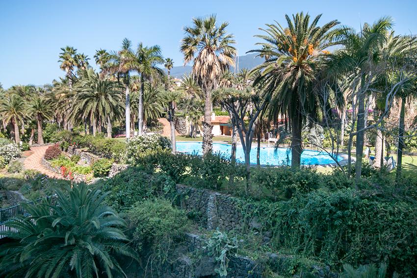 Der subtropische Hotel-Garten