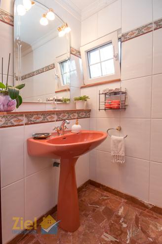 Farblich abgestimmtes Gäste-WC