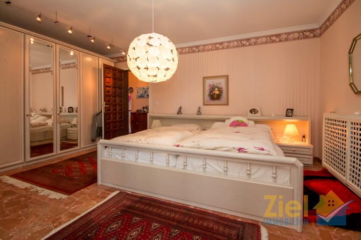 Masterschlafzimmer mit beheiztem Schrank