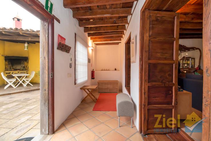 Zugang vom Innenhof in das Haus