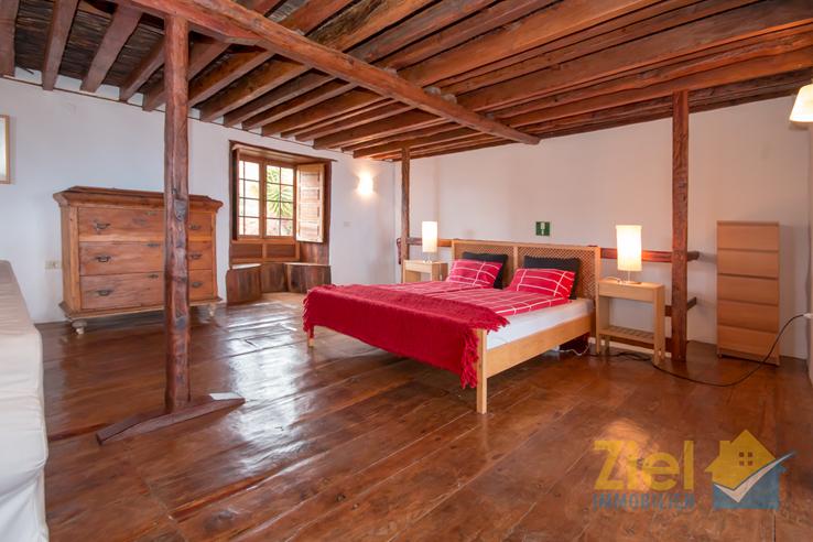 Luftiges Schlafzimmer in der ersten Etage