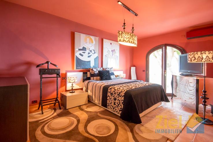 Beeindruckendes Masterschlafzimmer