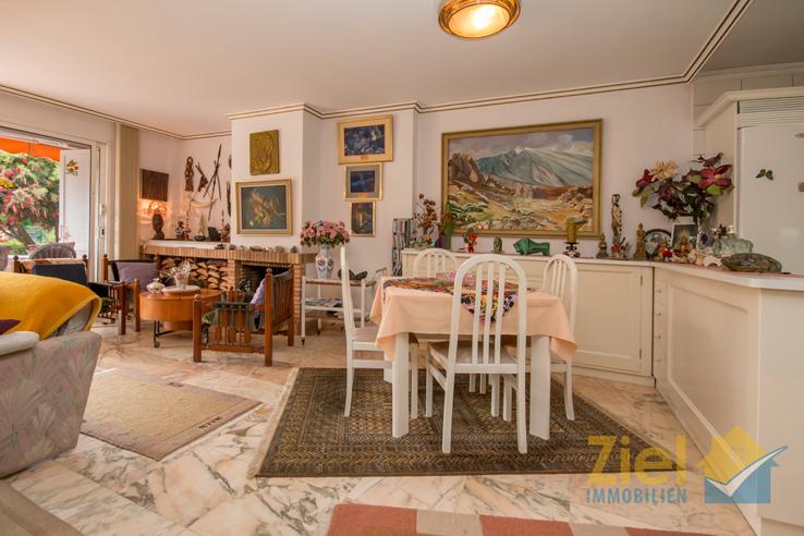 Essbereich im Wohnraum bei der Küche