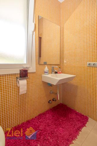 Klein aber komplett; Das Gäste-Duschbad