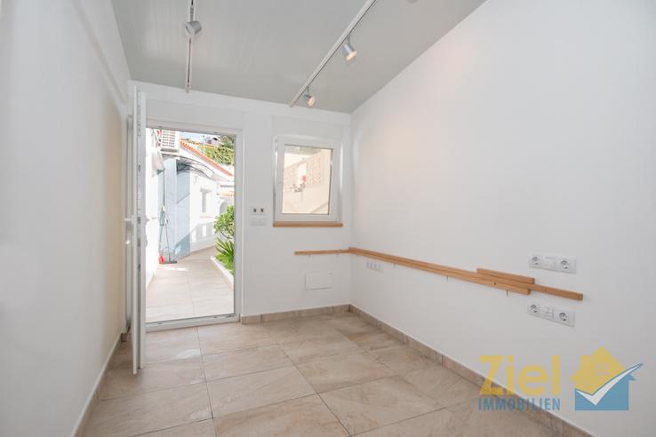 Kleines Büro mit eigenem Eingang