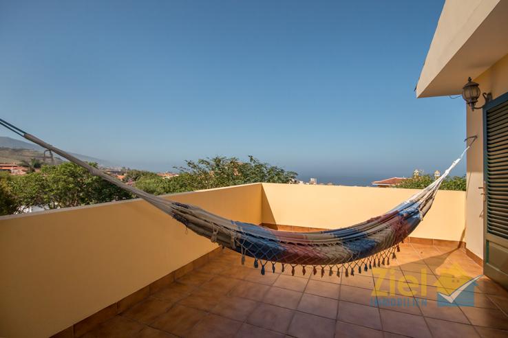 Obere Terrasse mit Privatsphäre