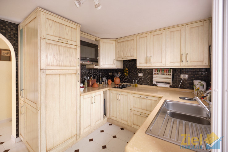 Rustilake Küche mit viel Stauraum